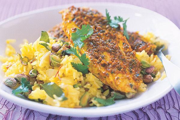 saffraan rijst met vis